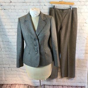 Le Suit 2-piece taupe tweed suit